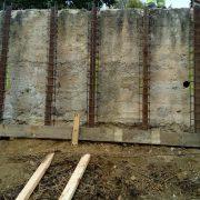 6_Refuerzo para muro contencion pilotado con perfiles de vias de tren